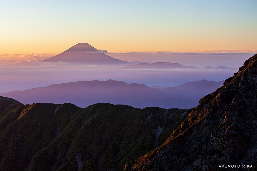 北岳から富士山をのぞむ